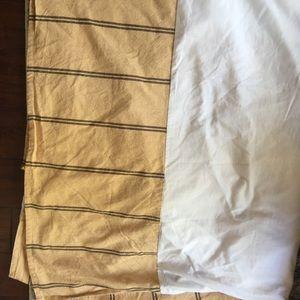 Chaps bedskirt